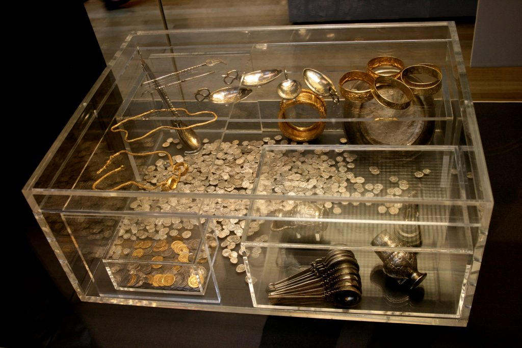 Largest Roman Coin Treasure known as Hoxne Hoard