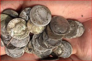 English man discovers Roman coins