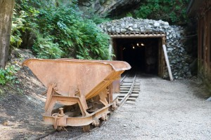 Platinum mining a guessing game for investors